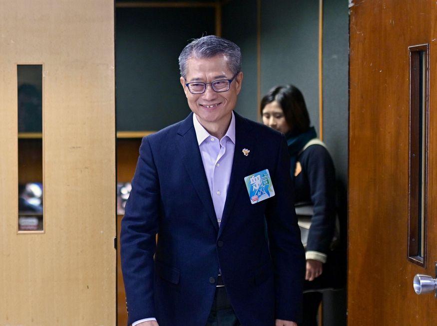 区会正副主席 晤陈茂波争资源
