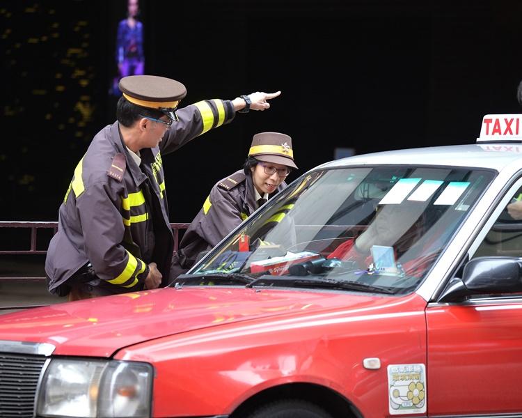 香港仔西环一连7日反违泊 严厉执法即时票控