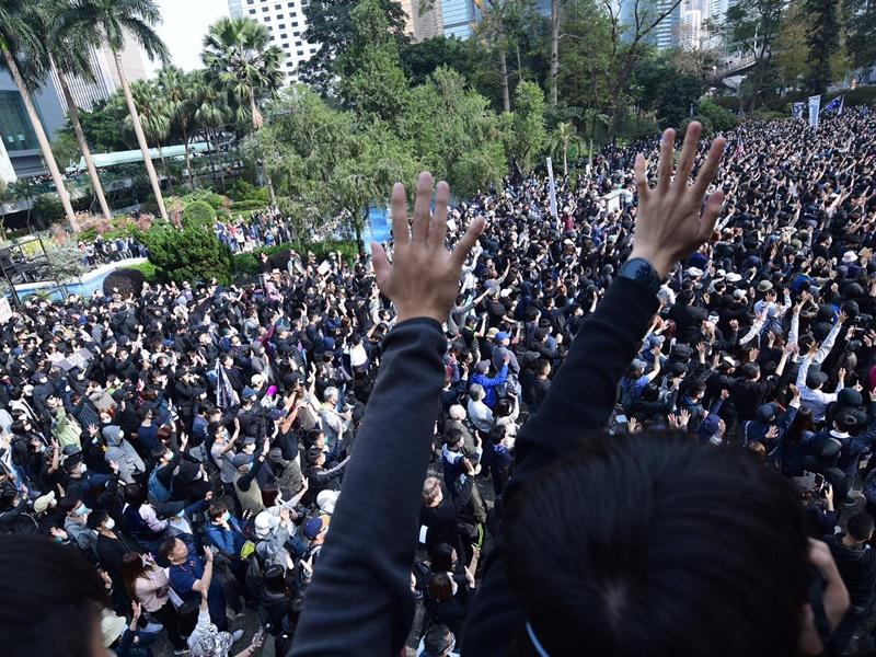 政府指政改需循序渐进 指外国势力不应干预香港内部事务