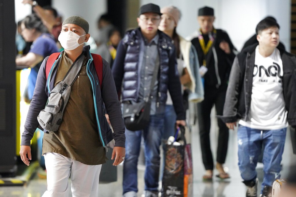 Singapore confirms 3 new China virus cases, tally totals 10