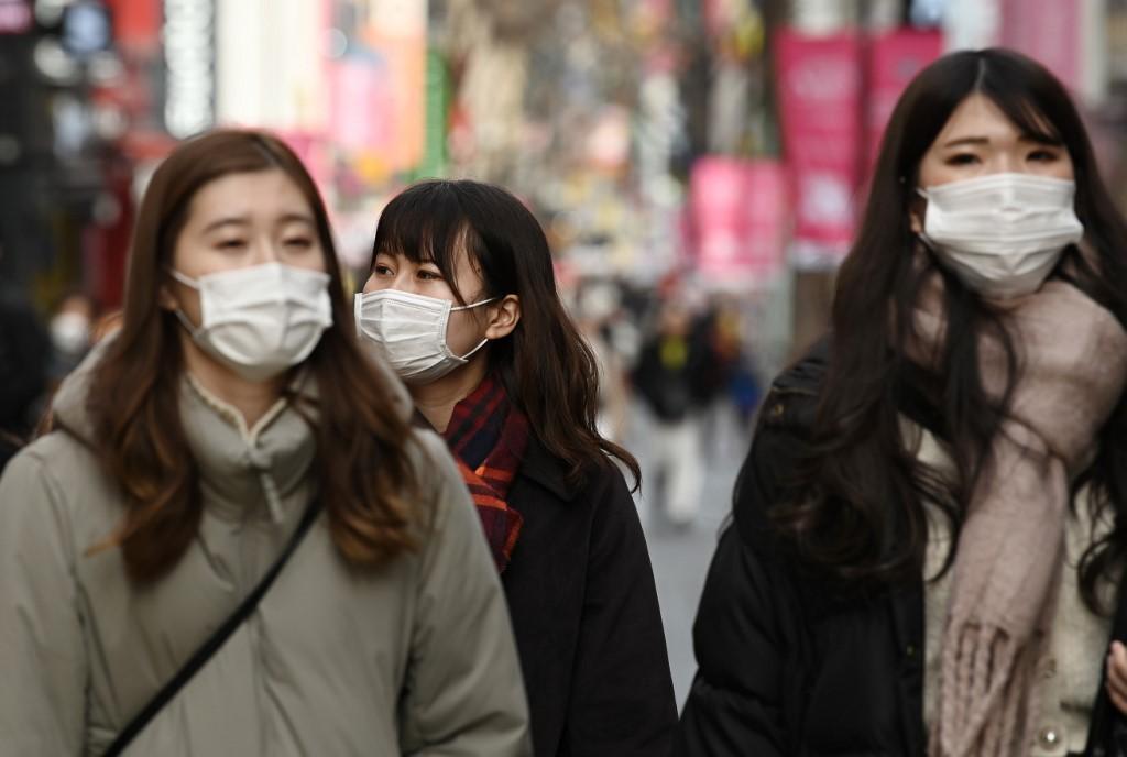 韩国30多岁未婚人士 超过半数和父母同住
