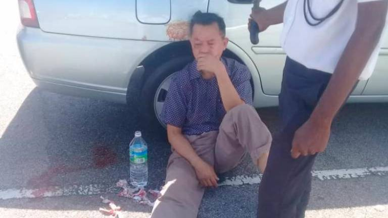Man gets beaten up at Klang High Court compound