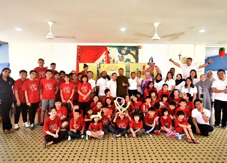 Bernas cheers residents of The Salvation Army Children's Home