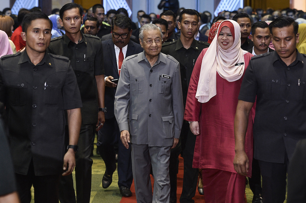 PM: We'll revoke opportunities from those who abuse them for quick profit