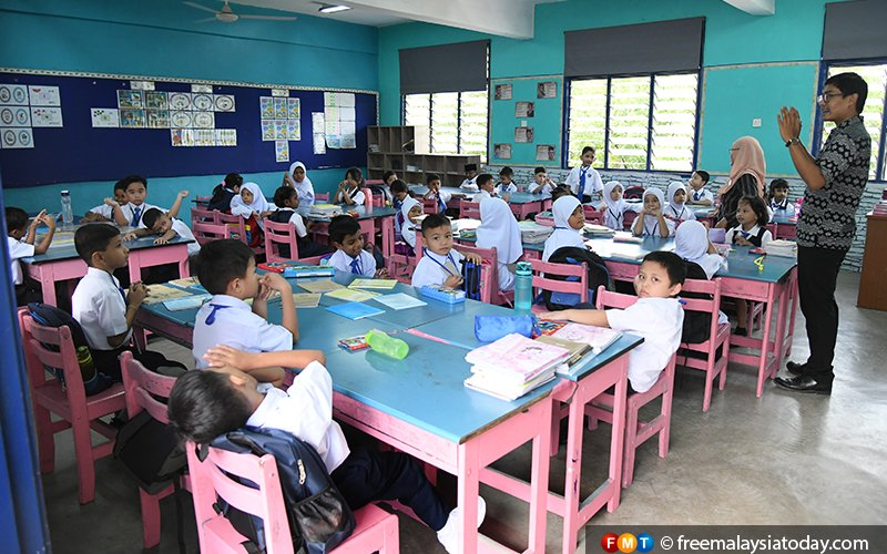 Most Malaysians want teaching of Maths, Science in English, survey shows