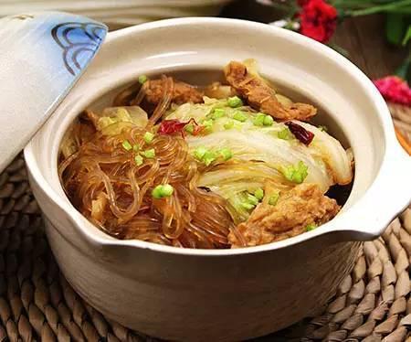 美食精选:干煸白菜,奶白色鲫鱼豆腐汤,白菜肉渣炖粉条,鸡蛋饼