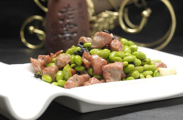 美食推荐:青豆牛肉粒,凉拌养心菜,鸡肉西兰花,雪菜肉末茄子