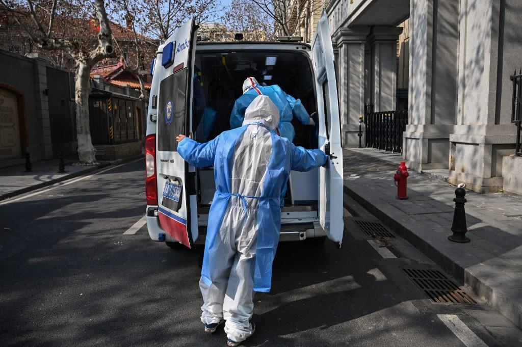 【新冠肺炎】中国确诊病例又增逾3200多起