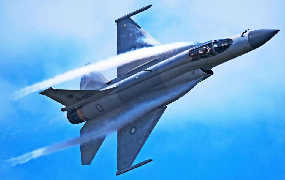 """美媒:""""枭龙""""将取代F-16C,成为南亚最强!印度人:太不给面子"""