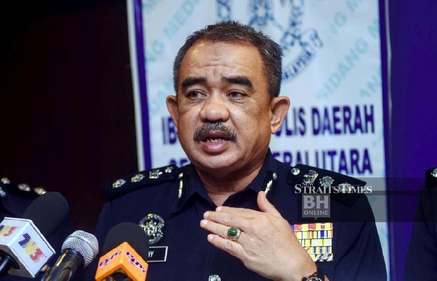 Penang neighbours nab fleeing robber