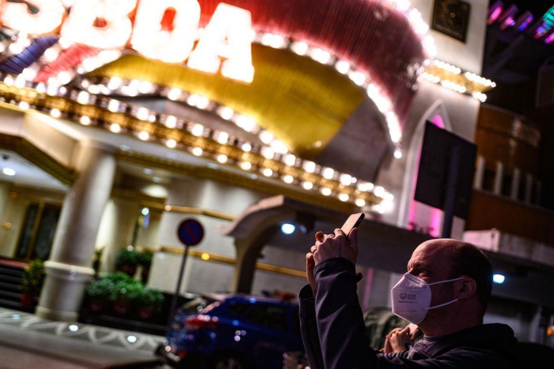 Coronavirus: Macau to close casinos for two weeks over virus fears