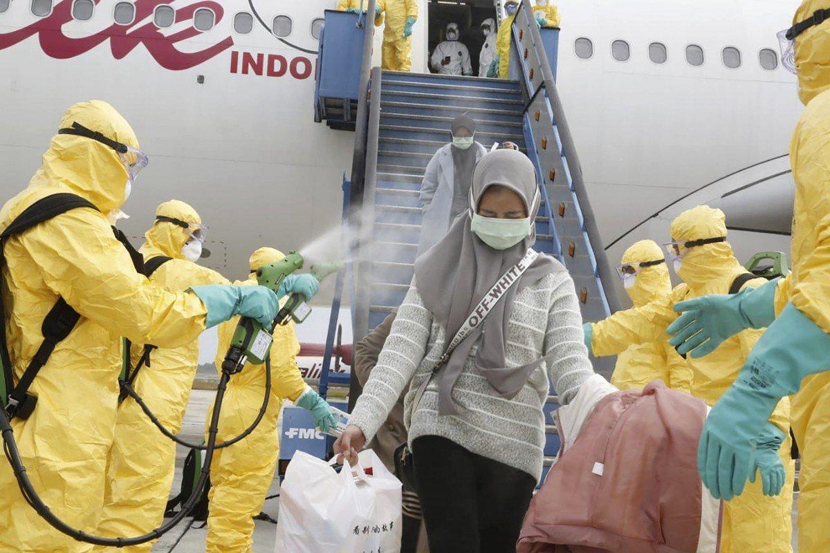 Coronavirus: Indonesia evacuates citizens, stops flights from China