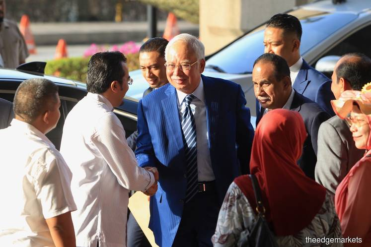 Najib again recites religious oath from witness stand, denies he took RM42m for gratification