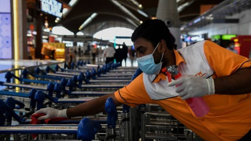 Malaysia to extend travel ban to all Chinese provinces under lockdown amid coronavirus outbreak