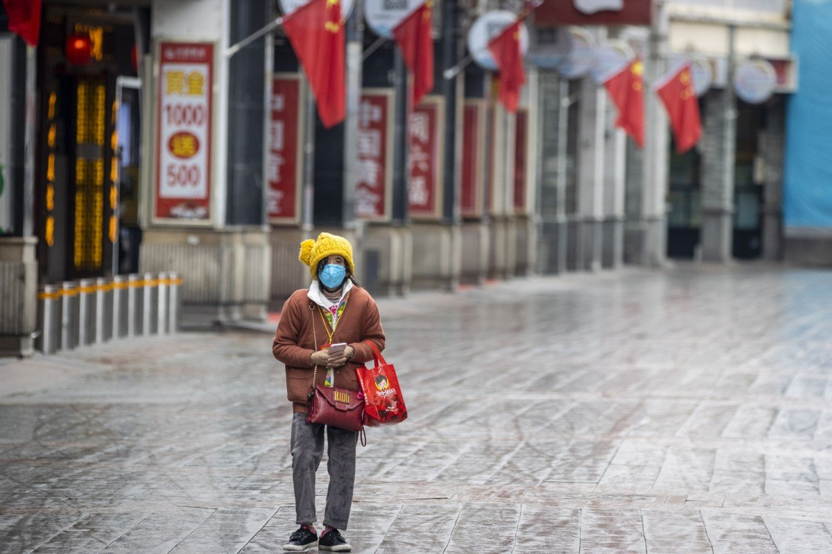 Megacities put up coronavirus entry barriers as China goes back to work