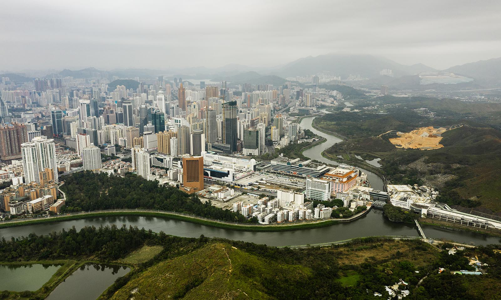HK imposes a quarantine for mainland Chinese