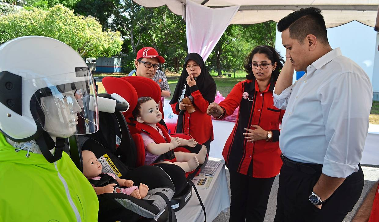 'No excuse to avoid using child safety seats'