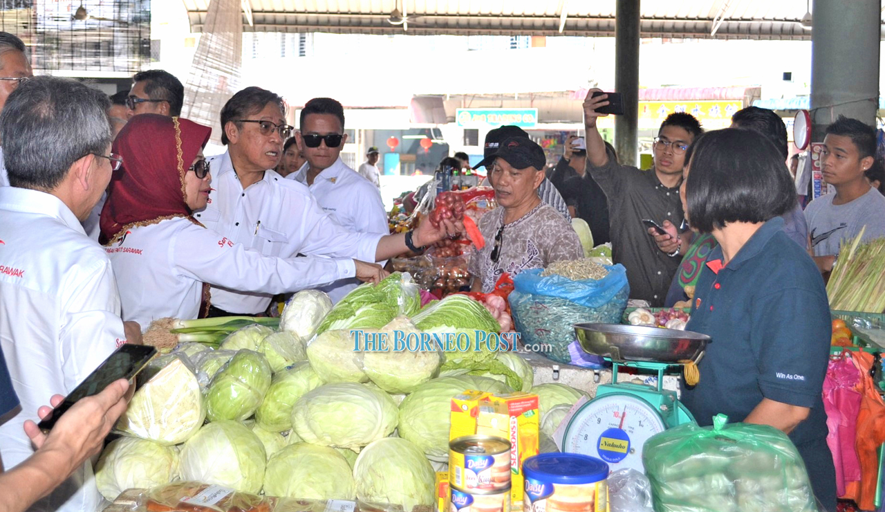 CM visits Sibu Central Market, interacts with townsfolk