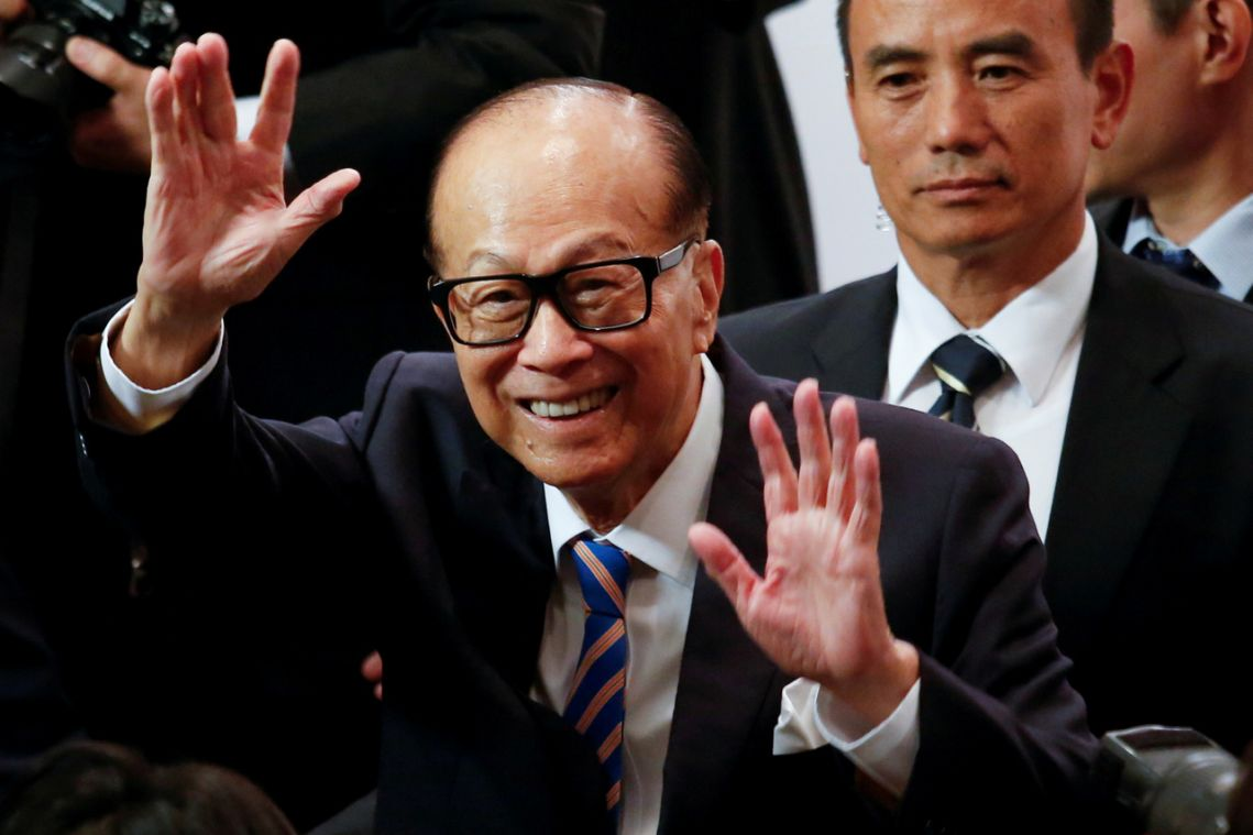 Hong Kong's richest tycoon gives $17 million to battle virus