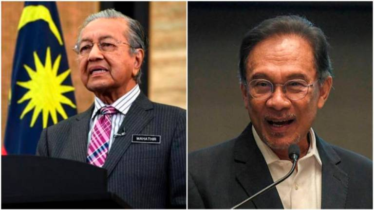 'Super coalition of PPBM, Umno and PAS can take power only with help from Sabah and Sarawak'