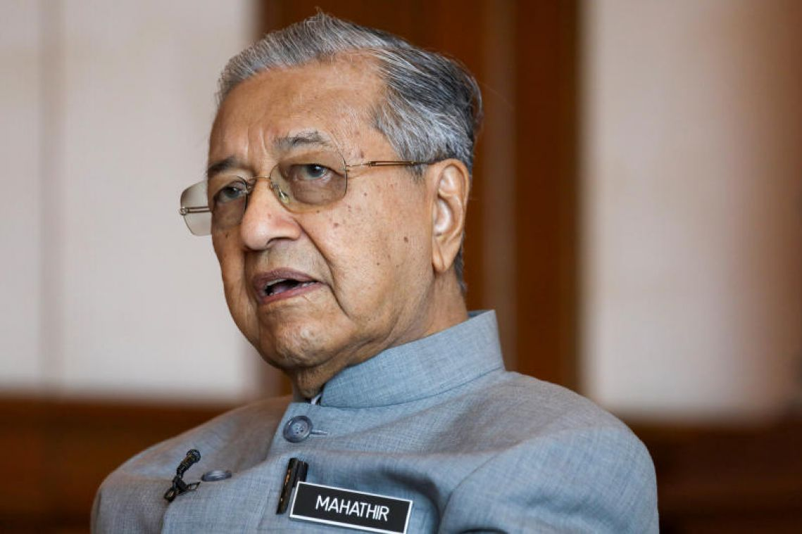 Umno sacks Najib loyalist who leaked plan to support Malaysian PM Mahathir