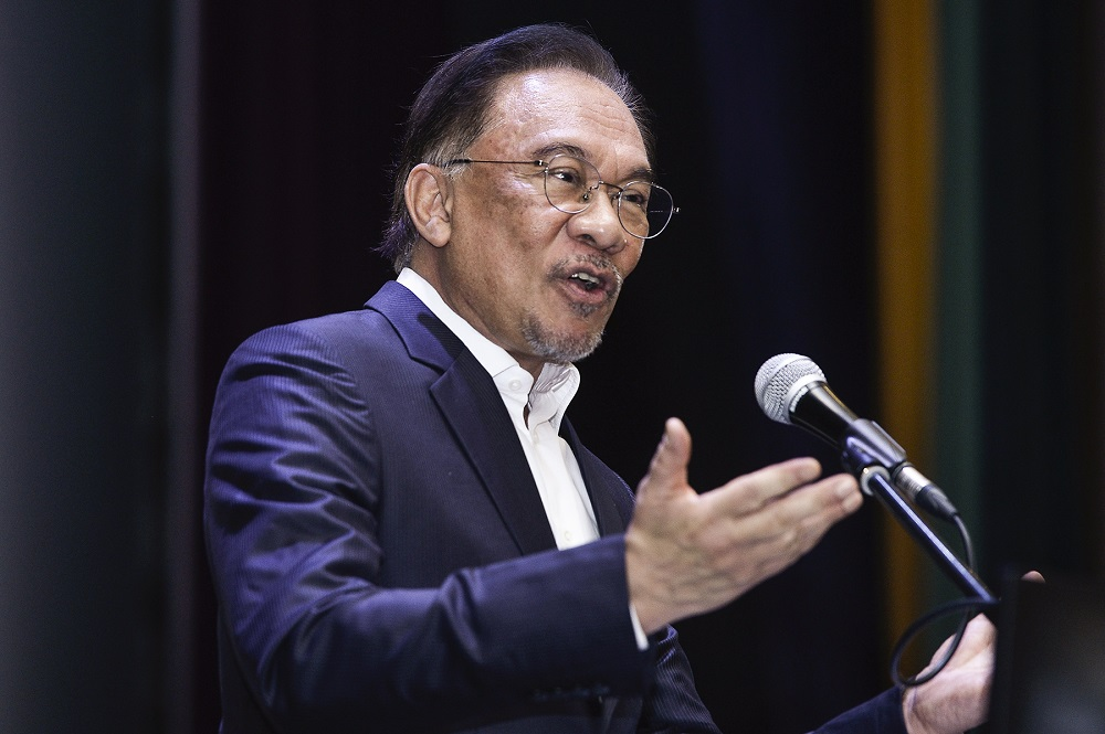 SD to keep Dr M as PM? I haven't been informed, Anwar says