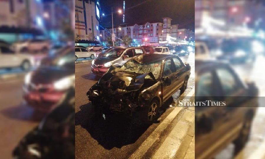 2 killed, 1 seriously hurt in 5-vehicle Penang crash