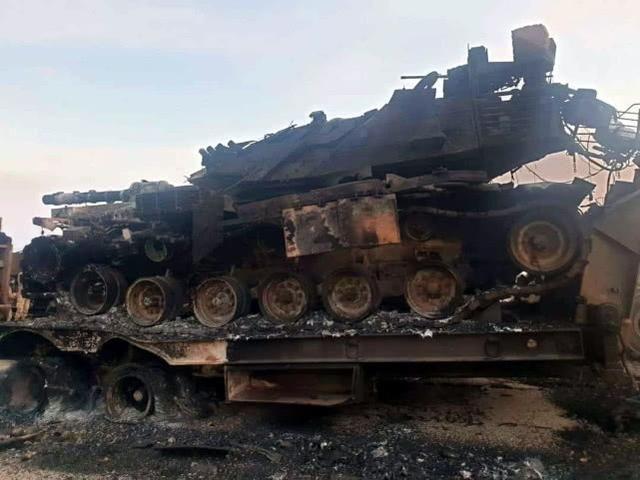 子母弹导弹突袭,土耳其大批坦克遭分尸:现场曝光士兵都被烧焦