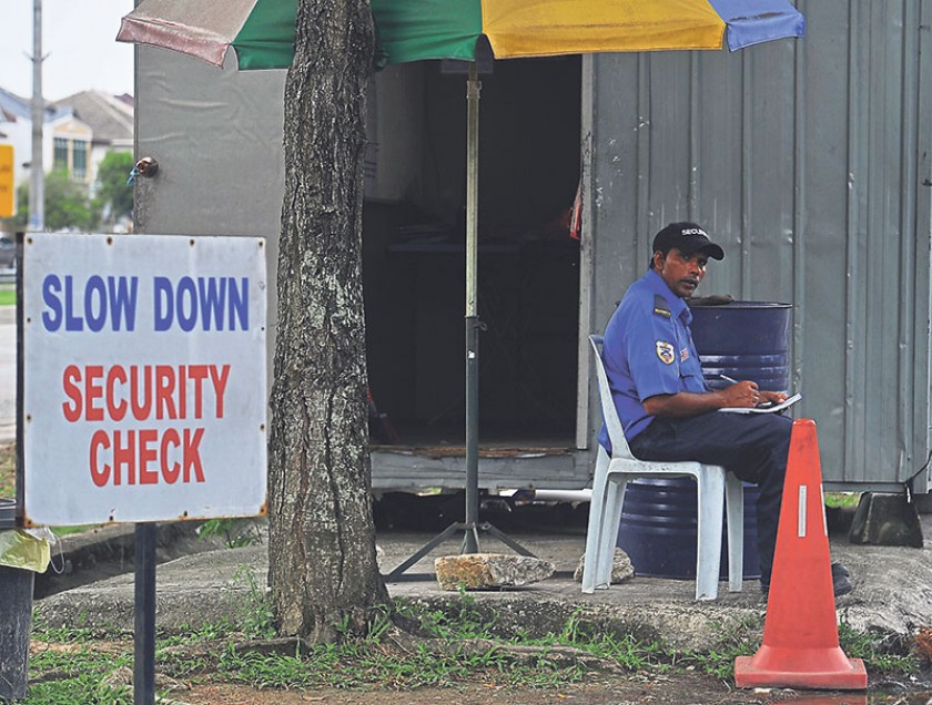 Home Ministry rejects reports claiming 150,000 Pakistanis to work as security guards in Malaysia