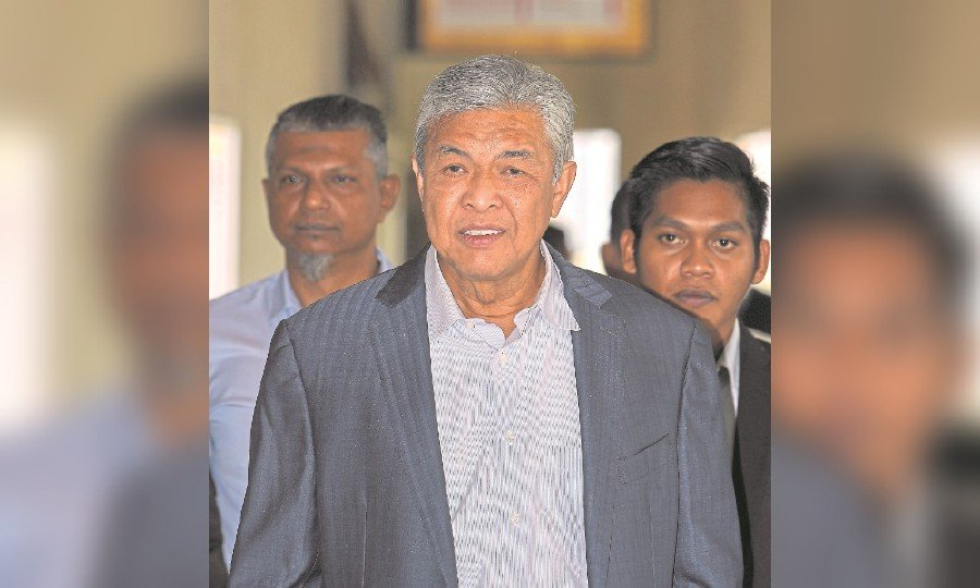 Zahid's company was never audited or filed financial reports