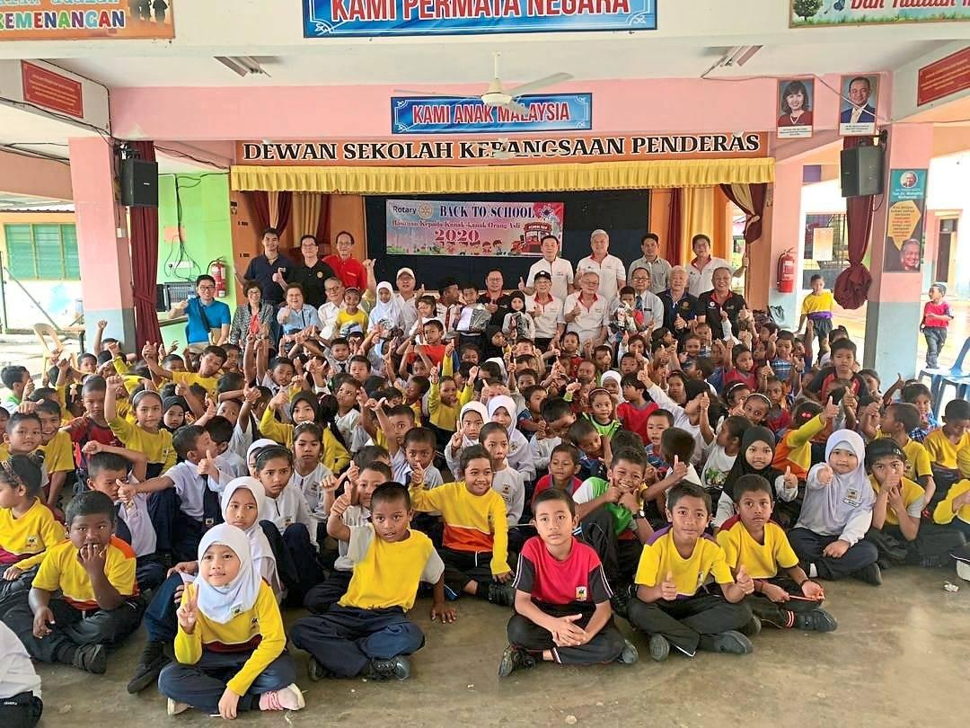 Back to school aid for Orang Asli children