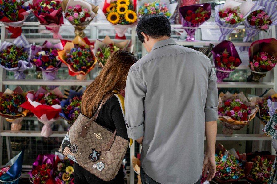 Love continues to bloom despite Covid-19 scare