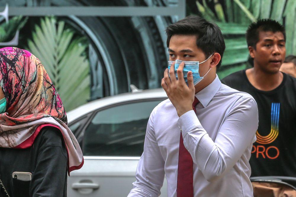 Saifuddin Nasution: No need to panic, face masks in sufficient supply