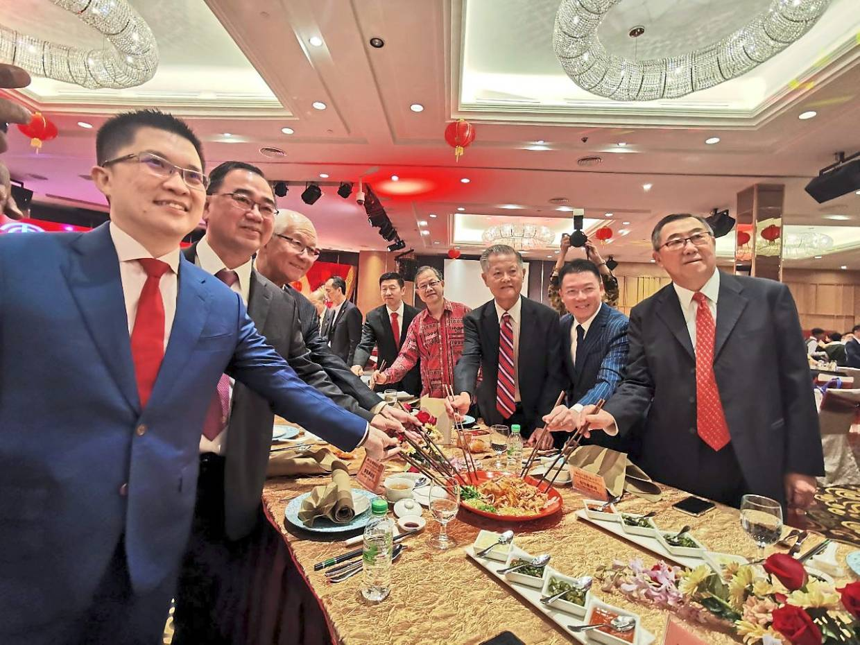 Arch to honour contributions of the Chinese