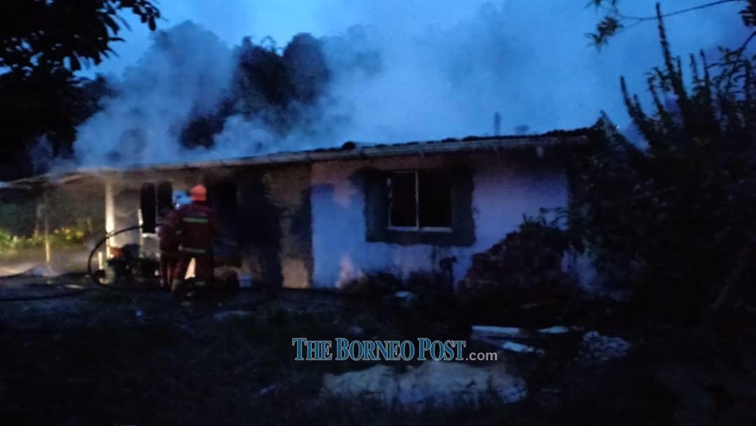 Fire nearly destroys single-storey house in Padawan