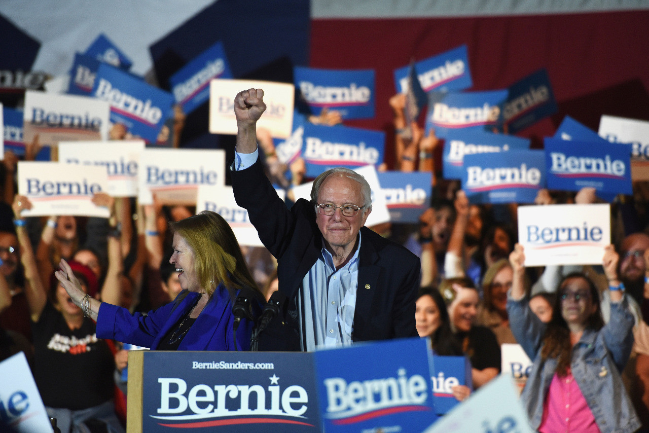 Sanders roughed up early at Democratic presidential debate