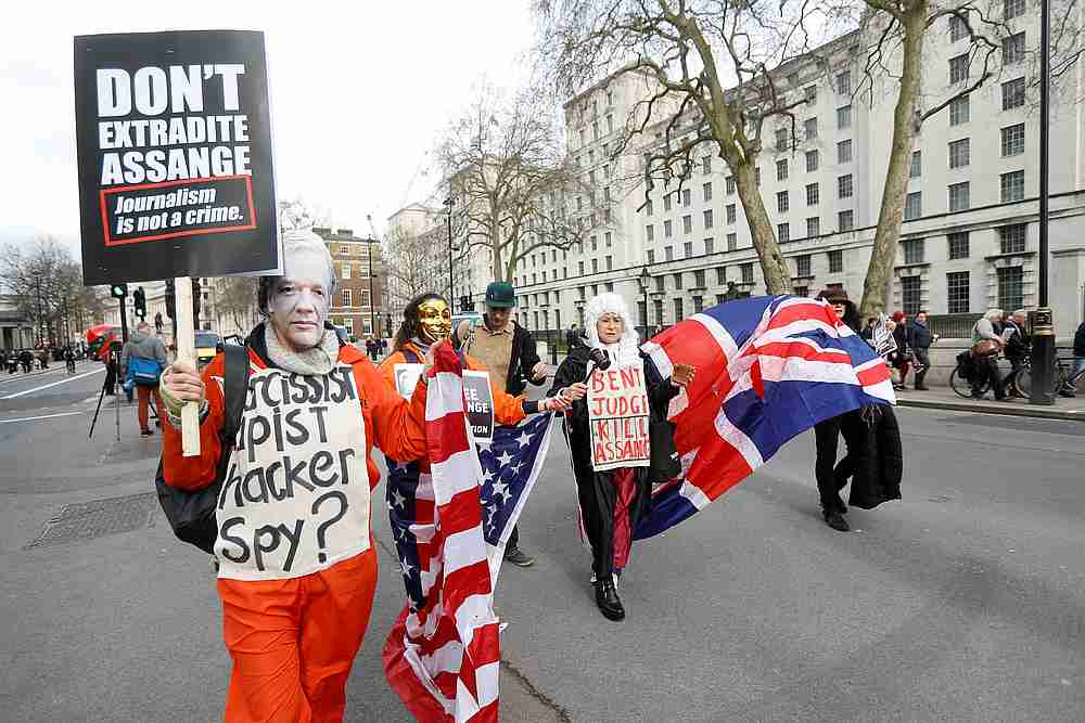 US extradition bid for Assange to go before a British court