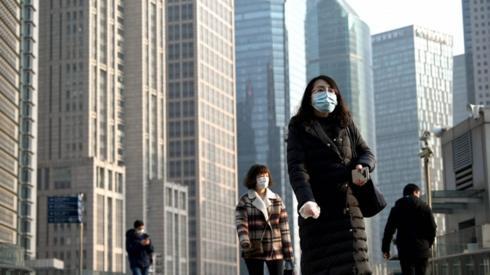 Coronavirus: Rapid spread raises fears of global pandemic