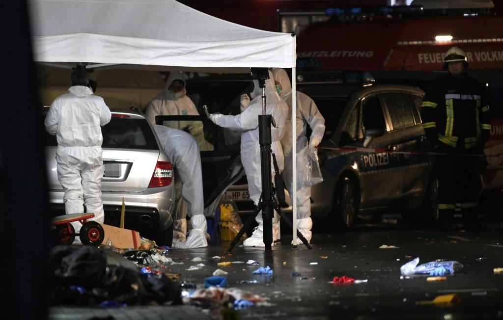 德国汽车撞嘉年华人群 受伤人数增至61个