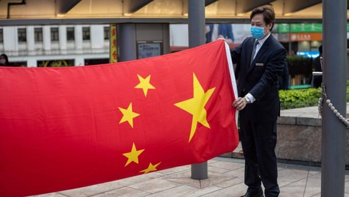 中国痛斥比利时狂欢节 窜改中国国旗