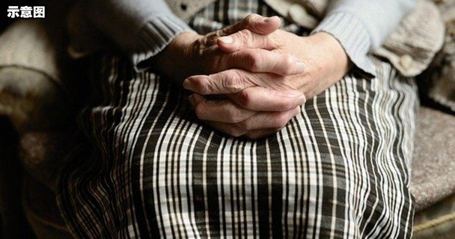61岁老妇患罕疾 能自体酿造酒精