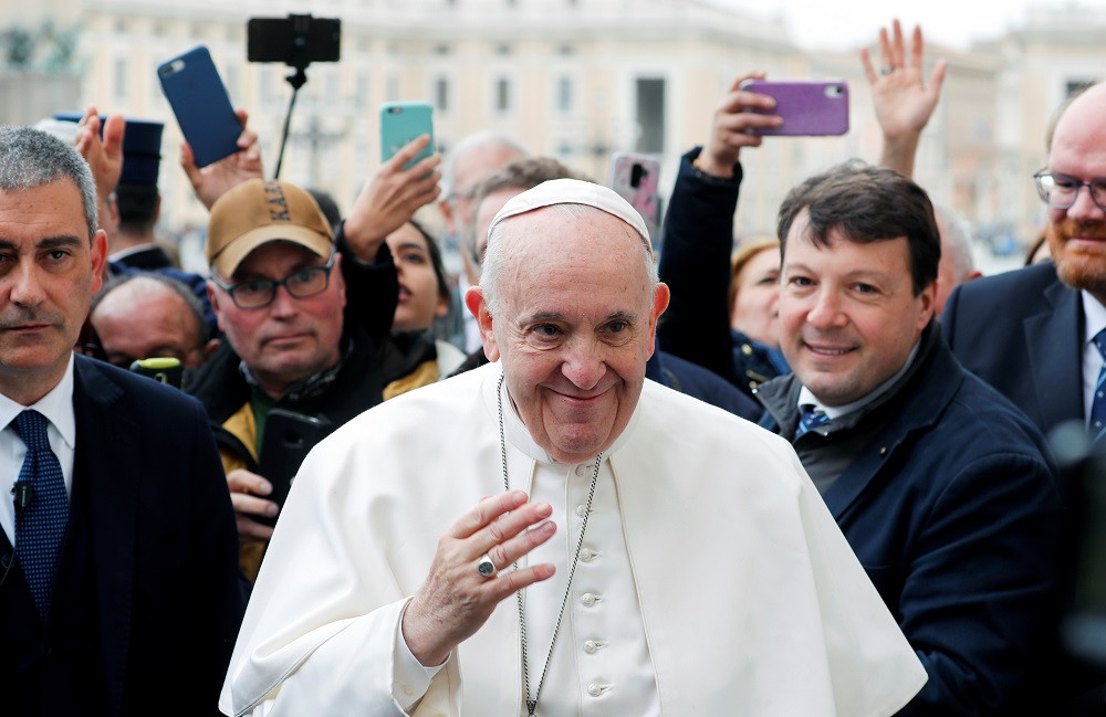Pope to Catholics: For Lent, give up trolling