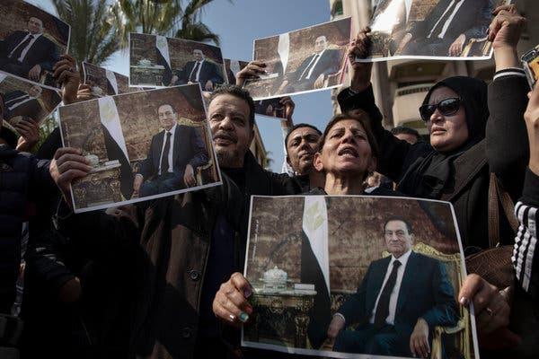 Mubarak's Three-Decade Rule Is Brushed Aside in War-Hero Burial