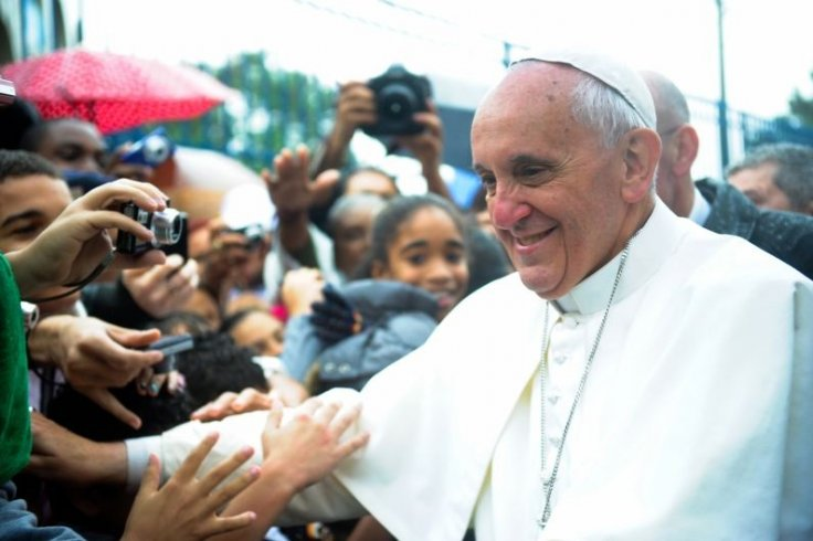 Pope asks people to obey rules during exit from the Coronavirus lockdowns