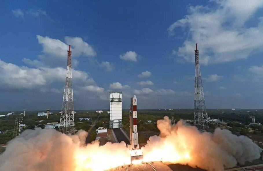 原创 印度新卫星即将发射,火箭准备就绪,希望不再坠毁