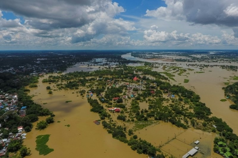More than 200,000 hit by Congo floods