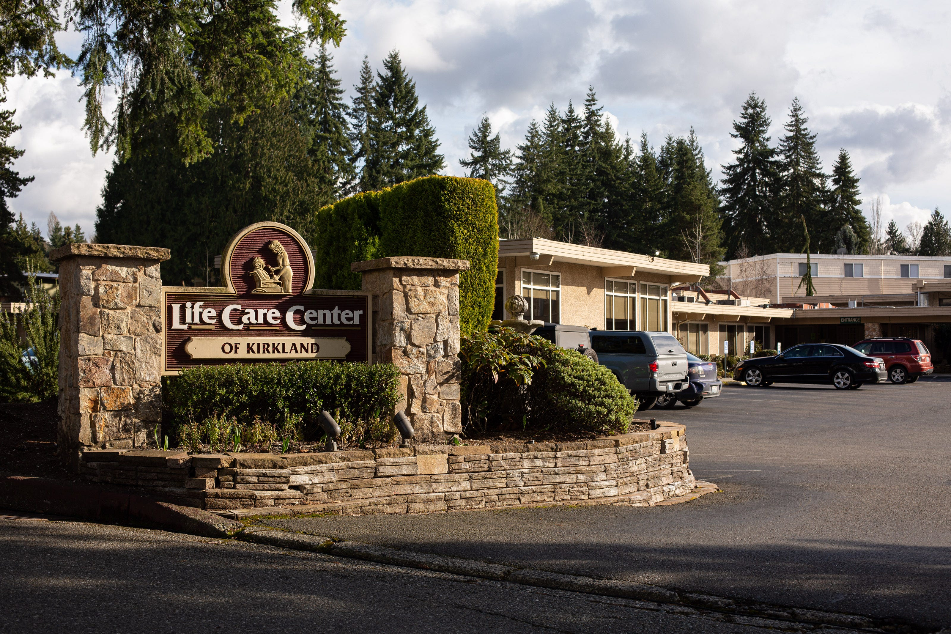 9 US coronavirus patients — including 4 who died — have ties to a nursing home near Seattle. Here's how the outbreak may have spread in Washington.