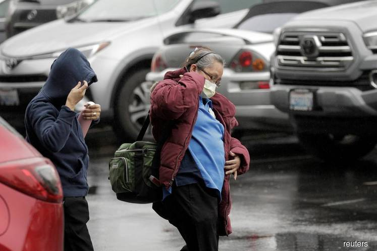 Coronavirus deaths rise to 6 in Seattle area as US pushes for more testing