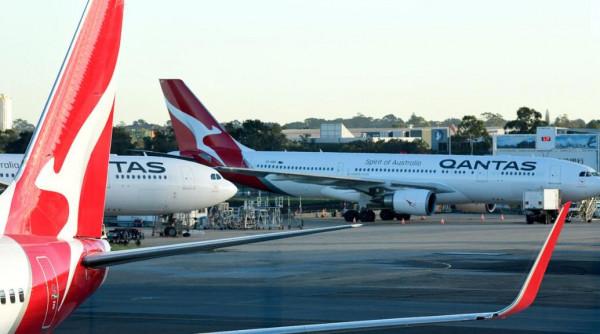 澳航乘客确诊!悉尼飞伦敦航班被迫停飞,将对客机进行全面消毒(组图)