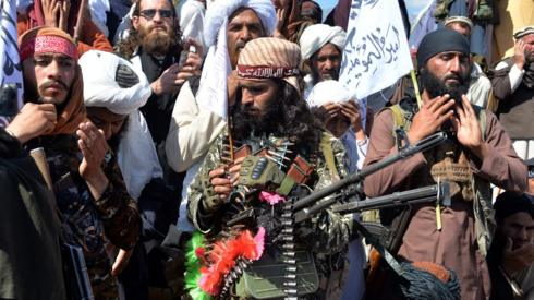 Afghan conflict: Clashes shatter partial truce after US deal